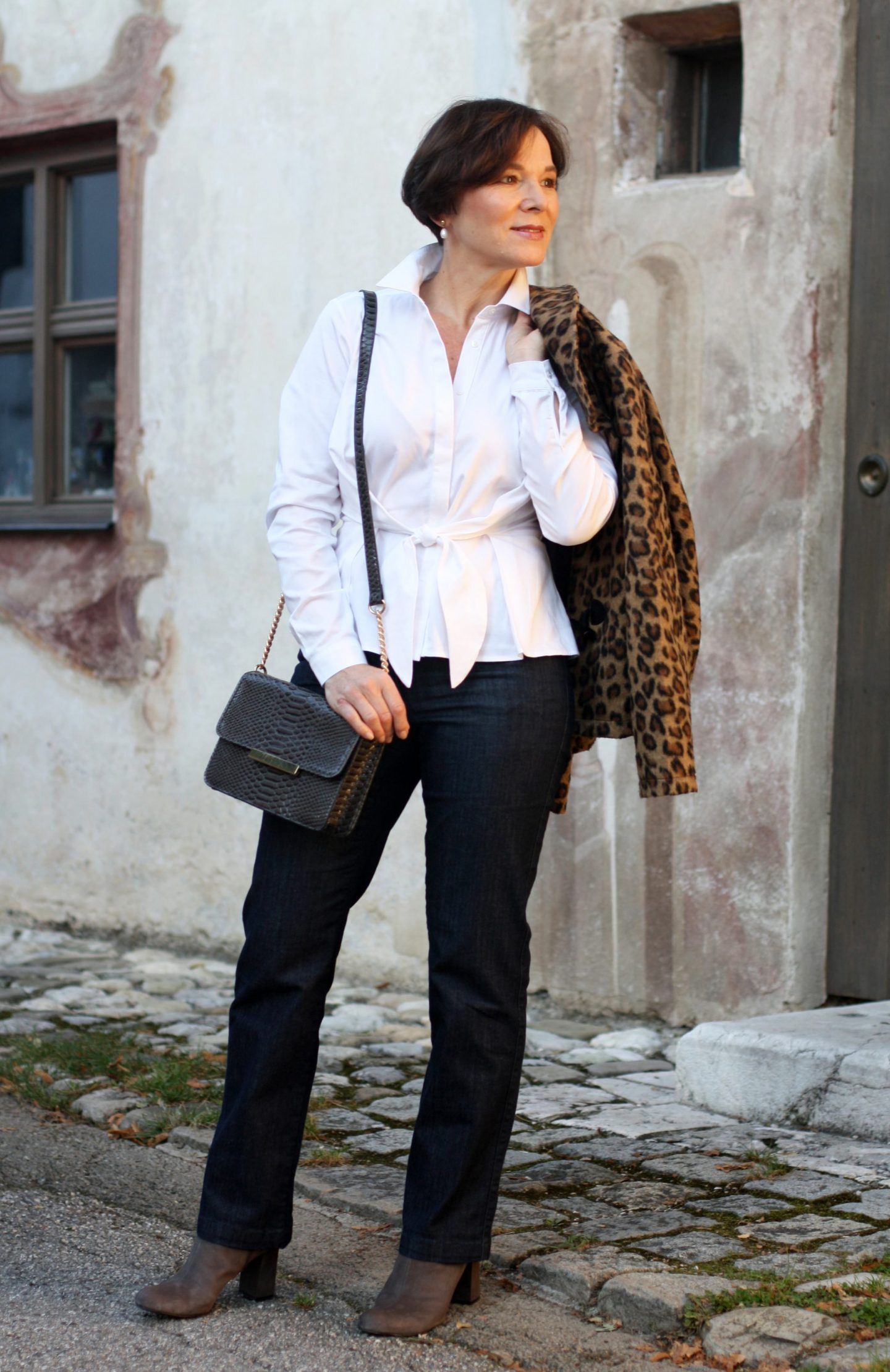 Herbsttrend Leo Jeans Klassische Weisse Bluse 50plus Blogger LadyofStyle