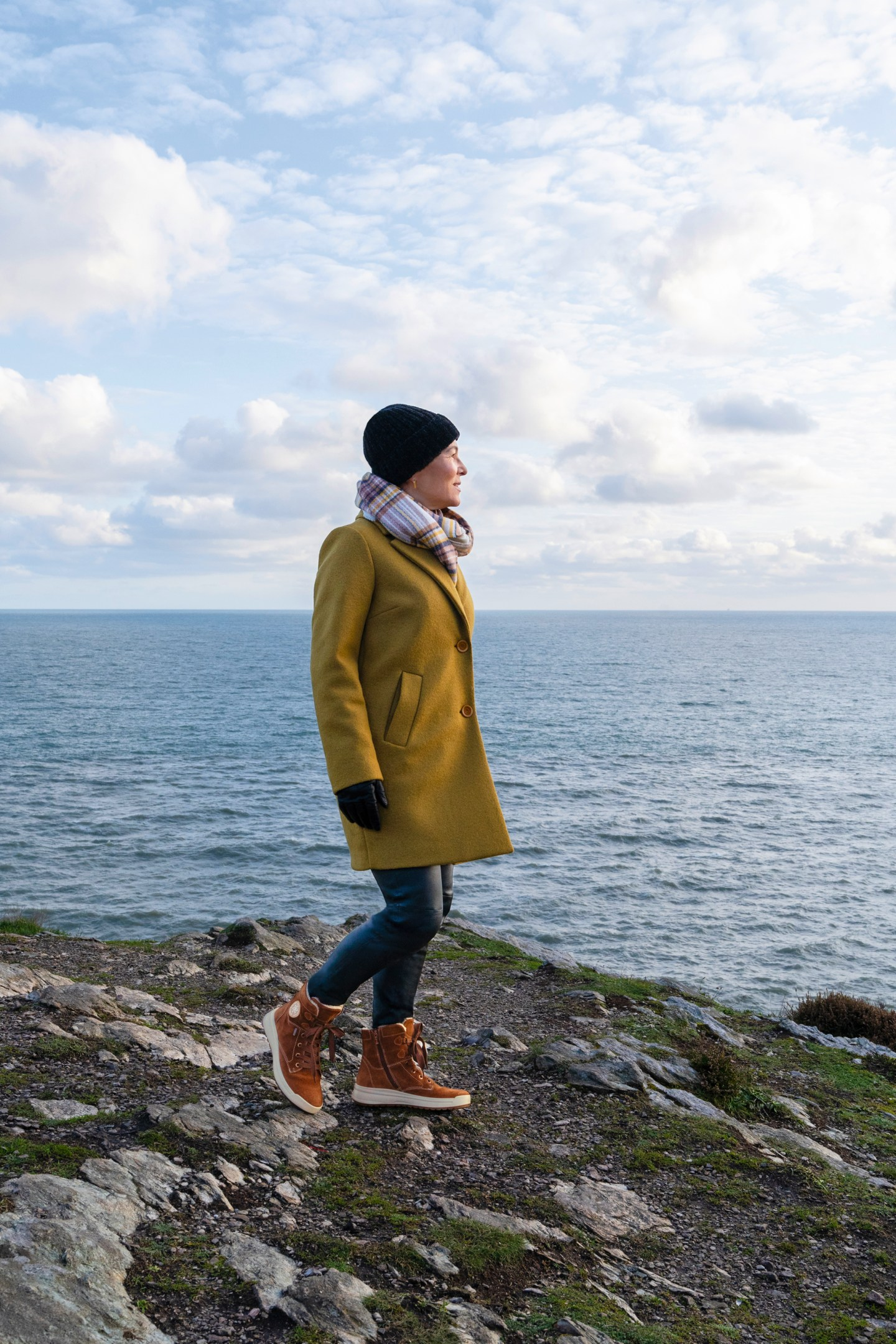 LadyofStyle Howth Cliff Walk Dublin Irland Outdoor ara Stiefeletten