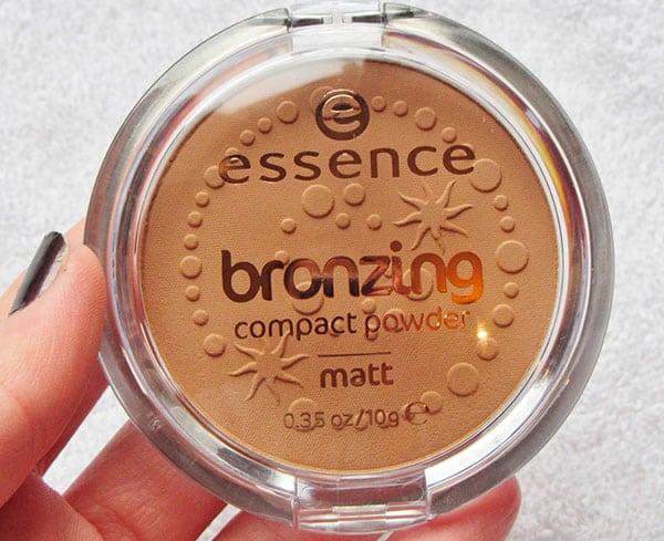 Essence bronzing kompaktní prášek Matt