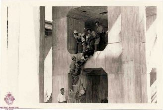 Rescate de un cadáver en los astilleros de Echevarrieta
