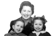 Juliana Blasco Fabra y sus hijos