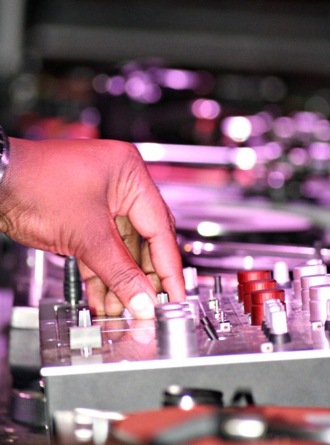 comment choisir son DJ de mariage