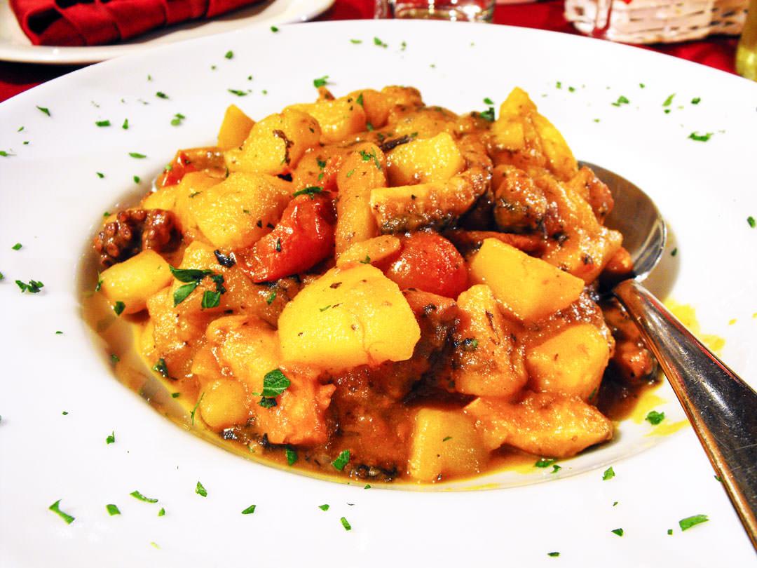 Ricetta Polpo con Patate e Pomodoro