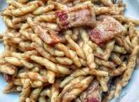 ricetta trofie con funghi champignon e pancetta affumicata