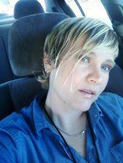 Testimonio de Lisa Moeller - Se Acosté Siendo Homosexual y Despertó con una Paz que no Había Experimentado Antes