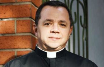 Padre John Mario Montoya