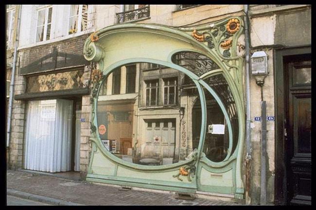 Devanture art nouveau d'une boutique a Douai