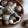 Decoration Noël TRISTAN blanche cône anneaux 5cm