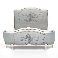 lit corbeille relooké par La Fée Caséine avec la Chalk Paint Annie Sloan