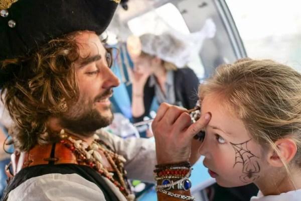 Halloween event enfants maquillage entreprise animation train OUIGO