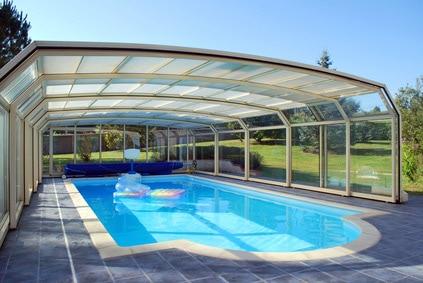 Abri de piscine : les Avantages et inconvénients