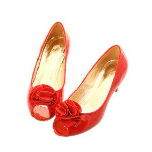 Peep-toes-rouge-jolie-mariee-vintage.jpg