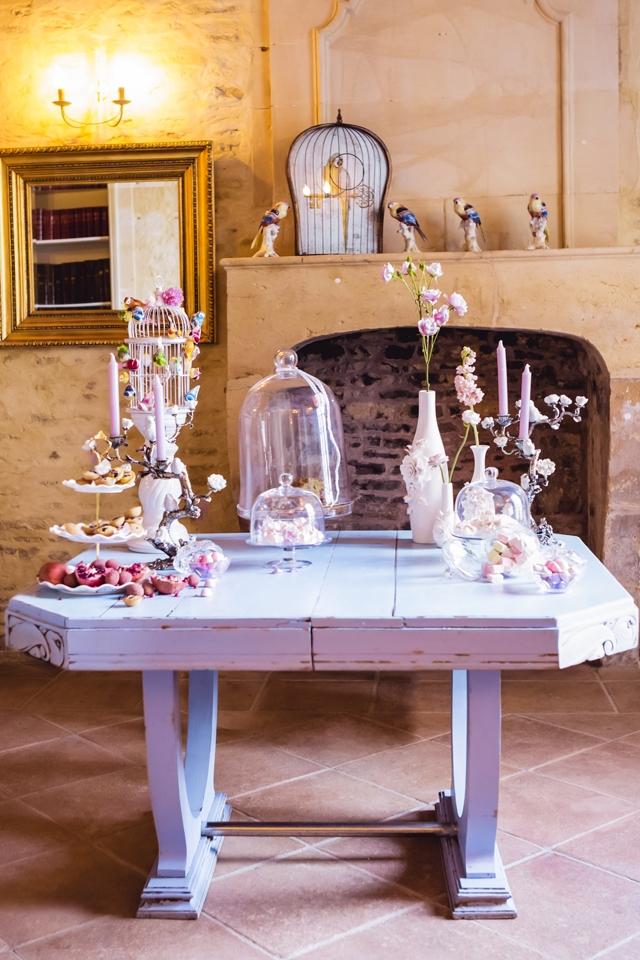 location mobilier deco vintage French Antique Wedding rental candy bar - La Fiancee du Panda Blog Mariage