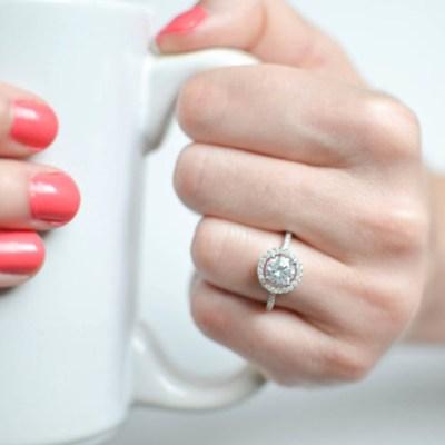 Bague-de-fiancailles-mariage-argent-solitaire-MochaRings-Etsy-La-Fiancee-du-Panda-blog-Mariage-et-Lifestyle