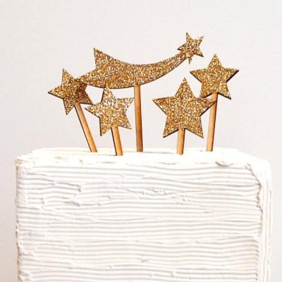 Cake-topper-etoiles-paillettes-or-ByMadelineTrait-Etsy-La-Fiancee-du-Panda-blog-Mariage-et-Lifestyle