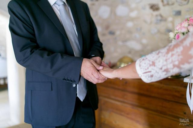 Mariage en Provence a Eygalieres - Tiara Photographie - La Fiancee du Panda blog mariage & lifestyle--3