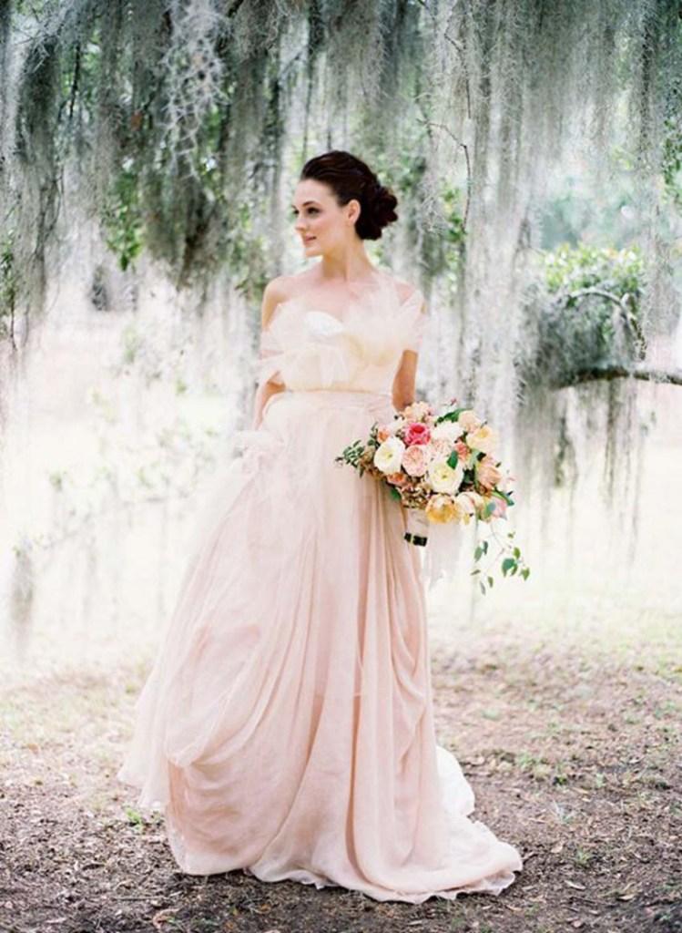 Robe de mariee couleur nude peche l Pinterest mariage l La Fiancee du Panda blog mariage