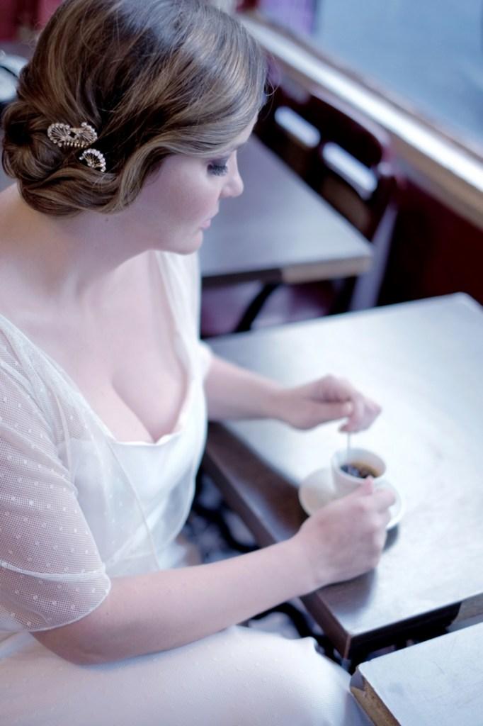 Robe de mariee femme ronde creatrice Stephanie Wolff Paris l Photographe Julie Coustarot l DA et stylisme La Fiancee du Panda - blog mariage