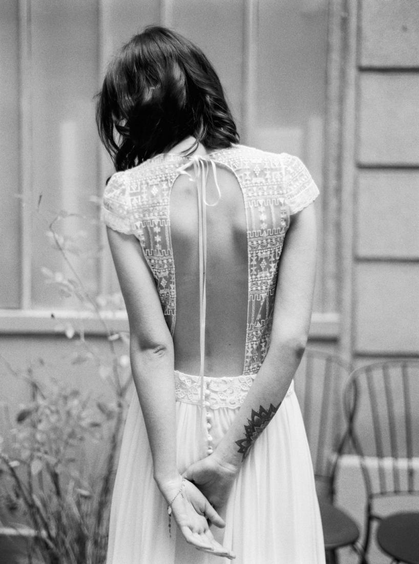 Robe de mariee sur mesure Paris Stephanie Wolff creatrice collection 2017 l Credit photo l'Artisan Photographe l La Fiancee du Panda blog mariage--77