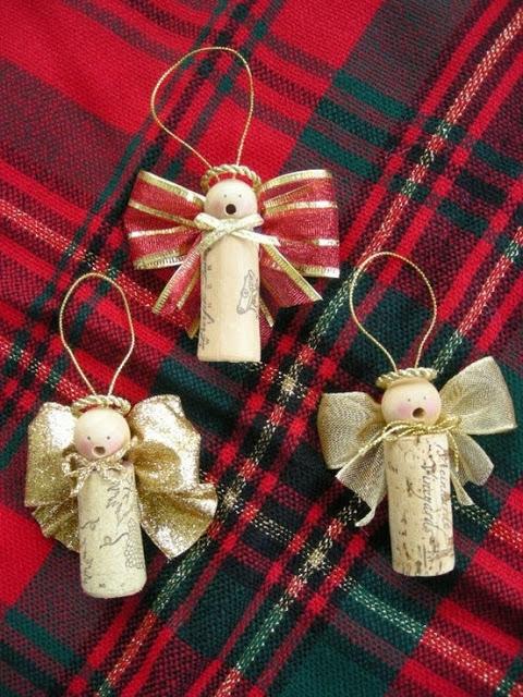 Addobbi natalizi con tappi di sughero/riciclo creativo con tappi di sughero/albero di natale con addobbi nataliziciao amici,eccomi. Decorazioni Natalizie Realizzate Con Tappi Di Sughero La Figurina