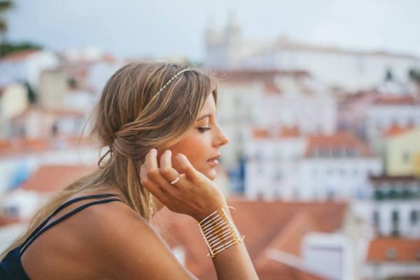 coiffer et accessoiriser votre coupe au carré avec un jolie headband bijou