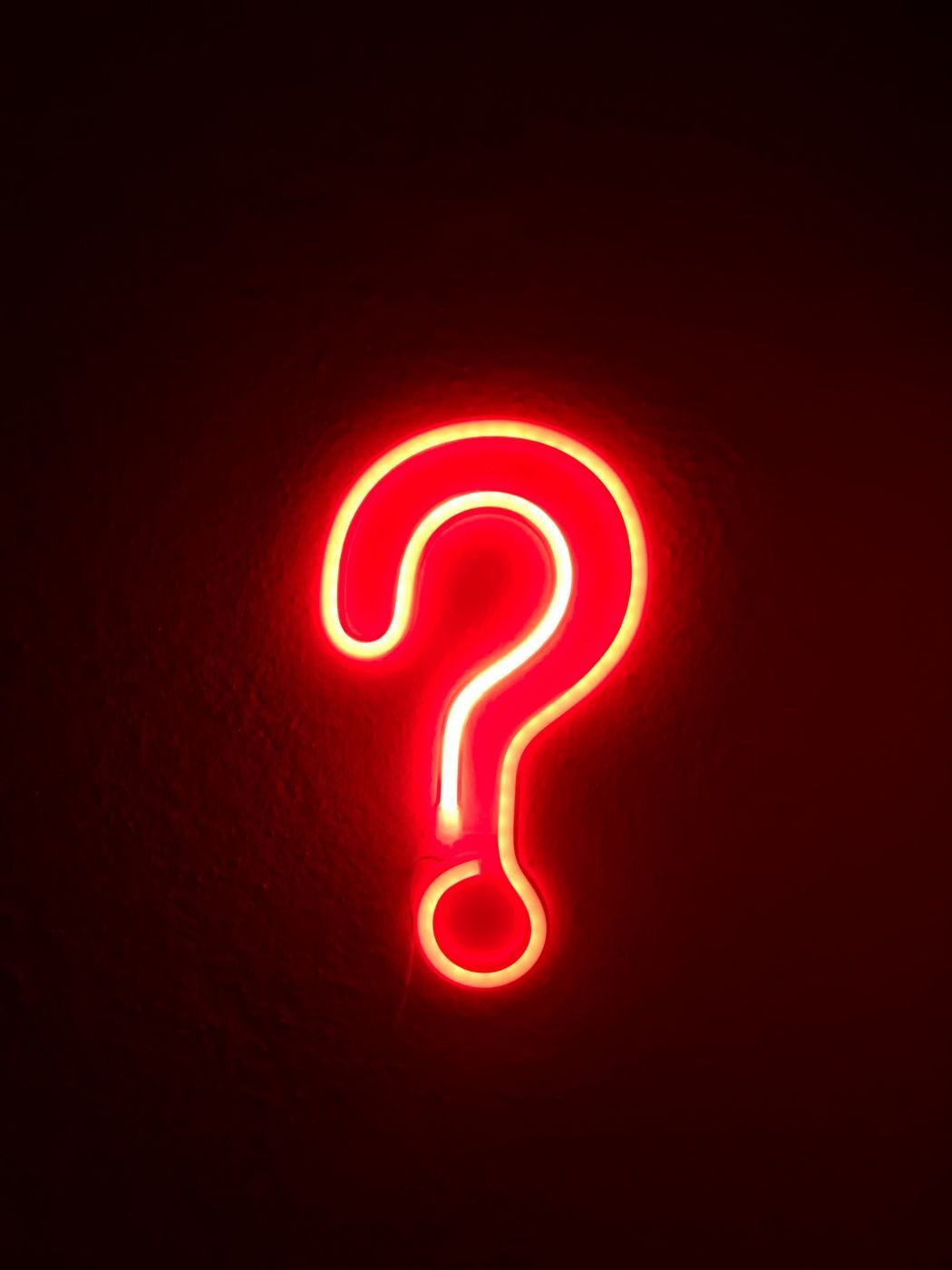 Point d'interrogation lumineux rouge sur la prévente