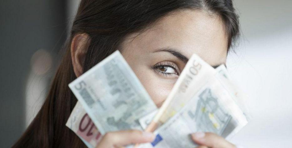 Il femminismo ha un'unica rivendicazione: soldi, soldi e ancora soldi