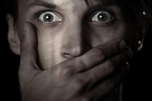 Uomini vittime di stupro: le verità nascoste (3)