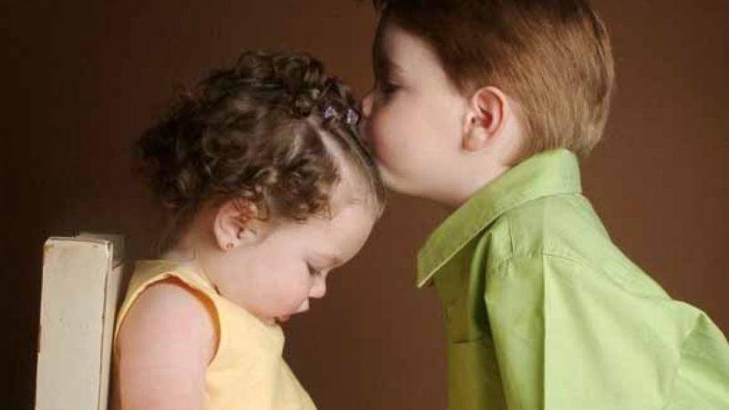 bimbi bacio
