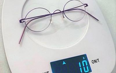 ¿Sabes cuánto pesan tus gafas?