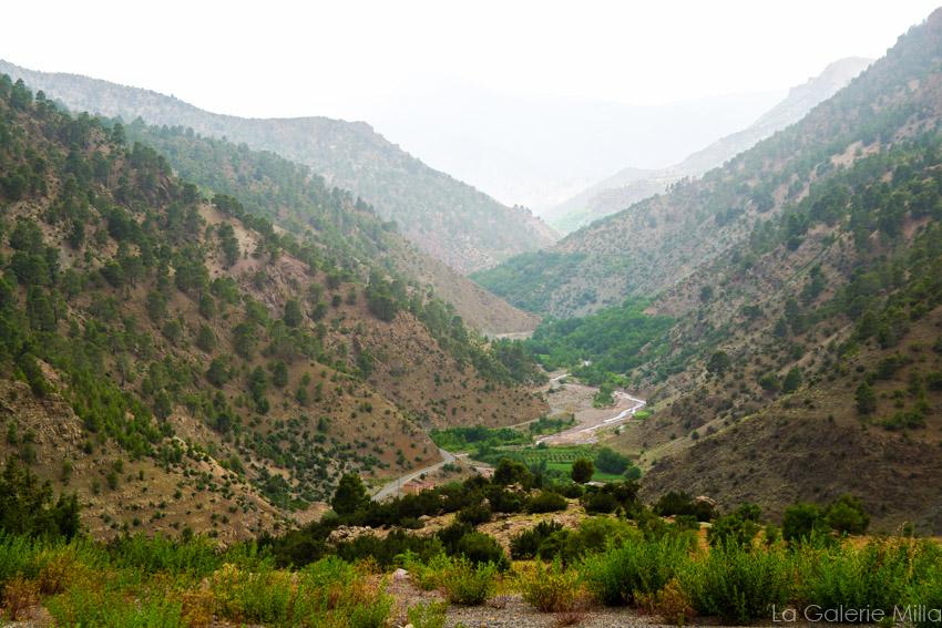 une vallée dans les montagnes marocaines