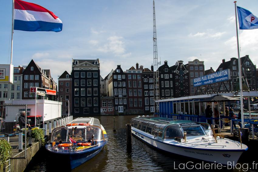 bateaux et drapeau des pays bas