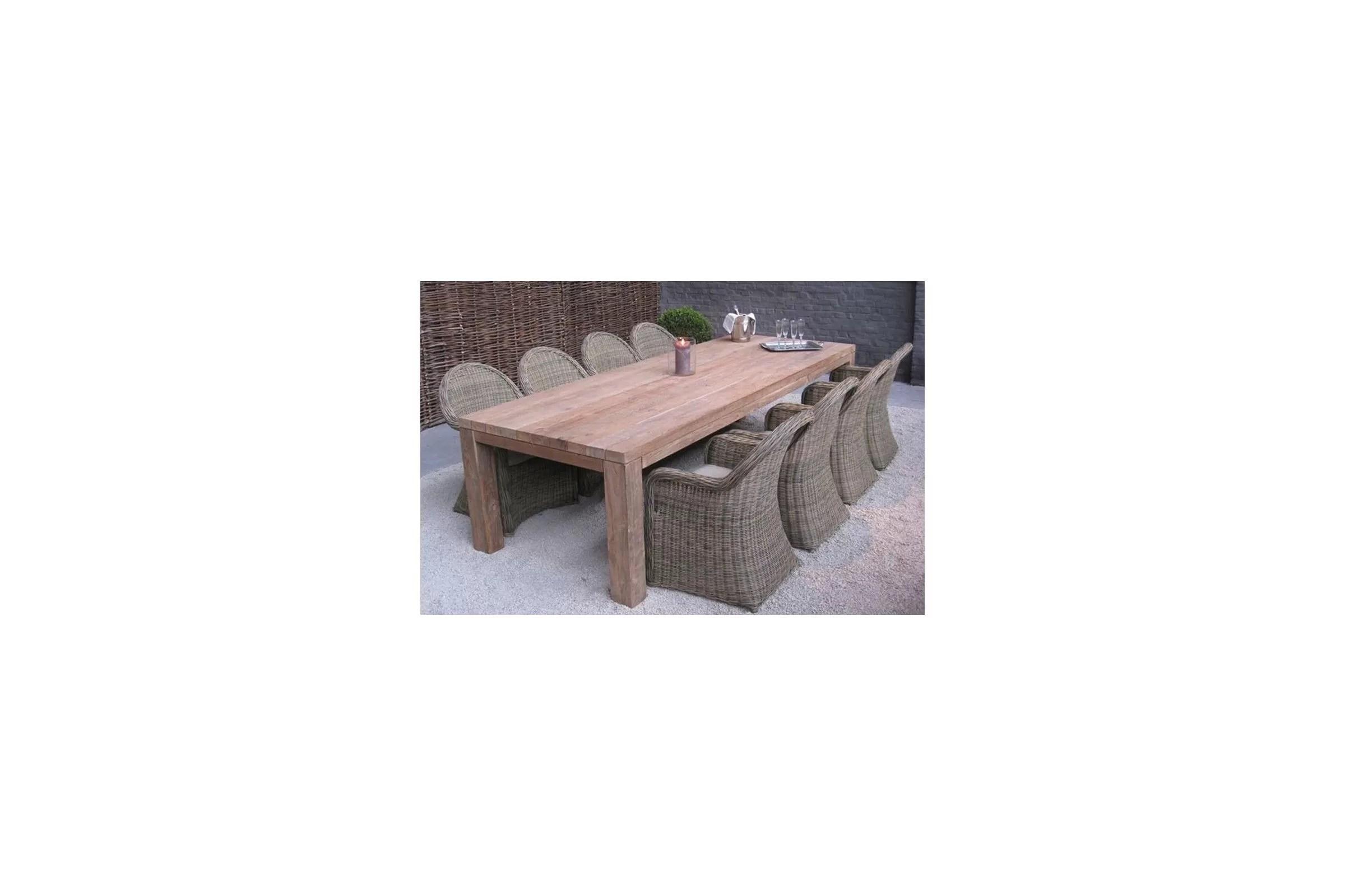 table rectangulaire en vieux teck massif modele primitive