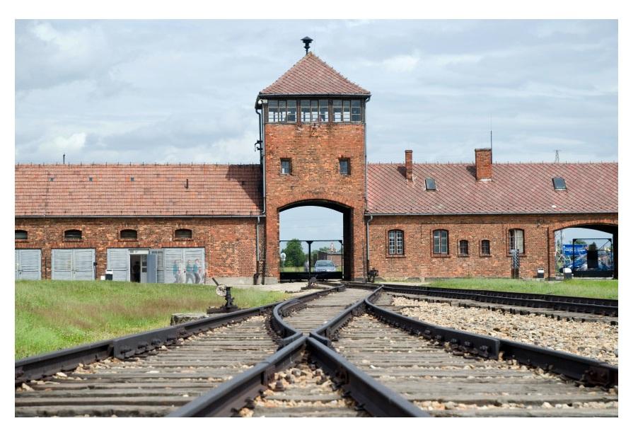 Resultado de imagen para imagenes Auschwitz complejo industrial