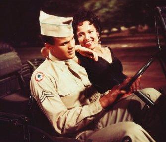 Dorothy Dandridge et Harry Belafonte en 1954 dans Carmen Jones