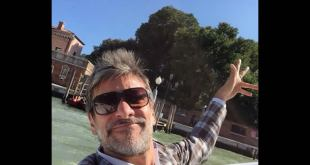 Un selfie di Sergio Assisi a Venezia. Fonte pagina ufficiale di Facebook.