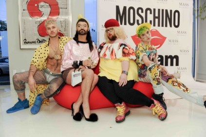 The scene at Moschino Kisses Gufram. Foto Ufficio Stampa Moschino.