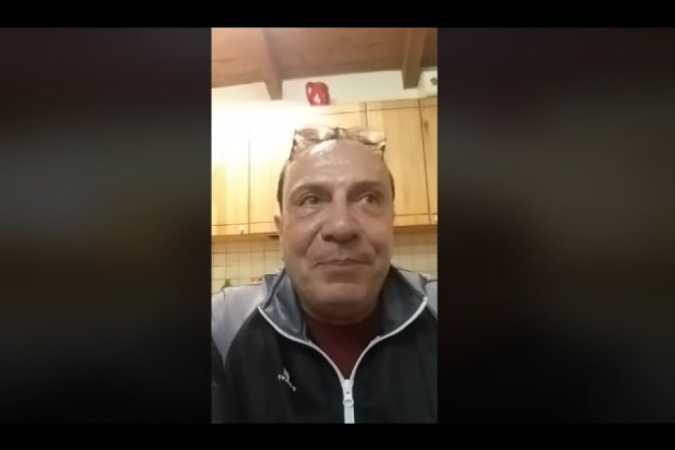 Oscar Di Maio in diretta Facebook