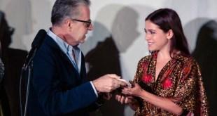 La consegna del premio a Francesca Luce Cardinale