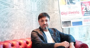Gigi Finizio. Foto di Gianluca Sambiase