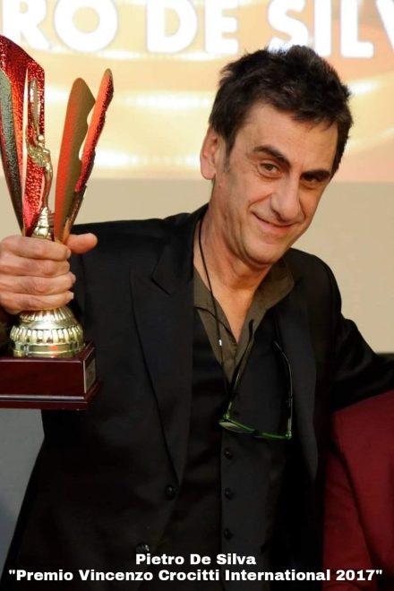 Pietro De Silva con il Premio Vincenzo Crocitti