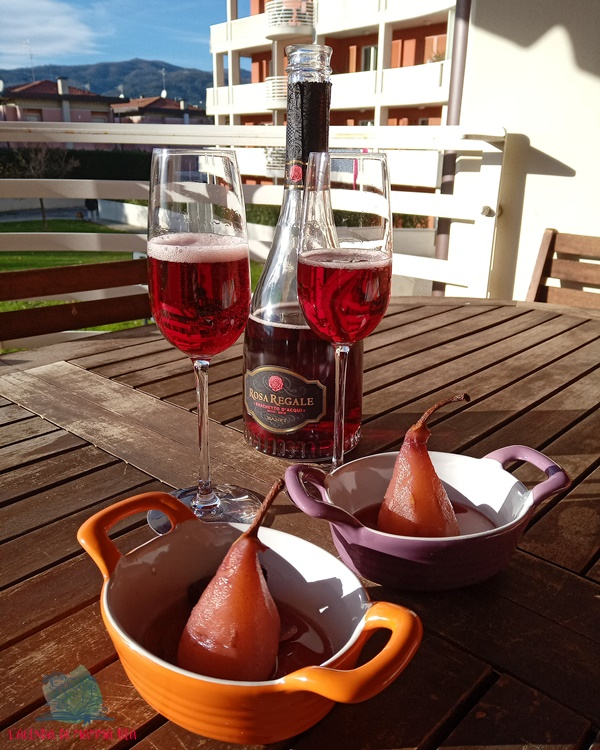 frutta al vino con le pere cotte de L'Agenda di mamma Bea