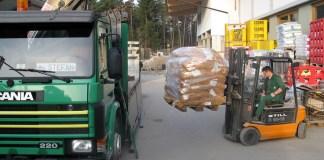 Lagerhaus Mieming - Verladen von regionalen Erdäpfeln