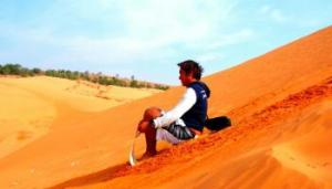 sand-borading-in-red-dunes-mui-ne-vietnam