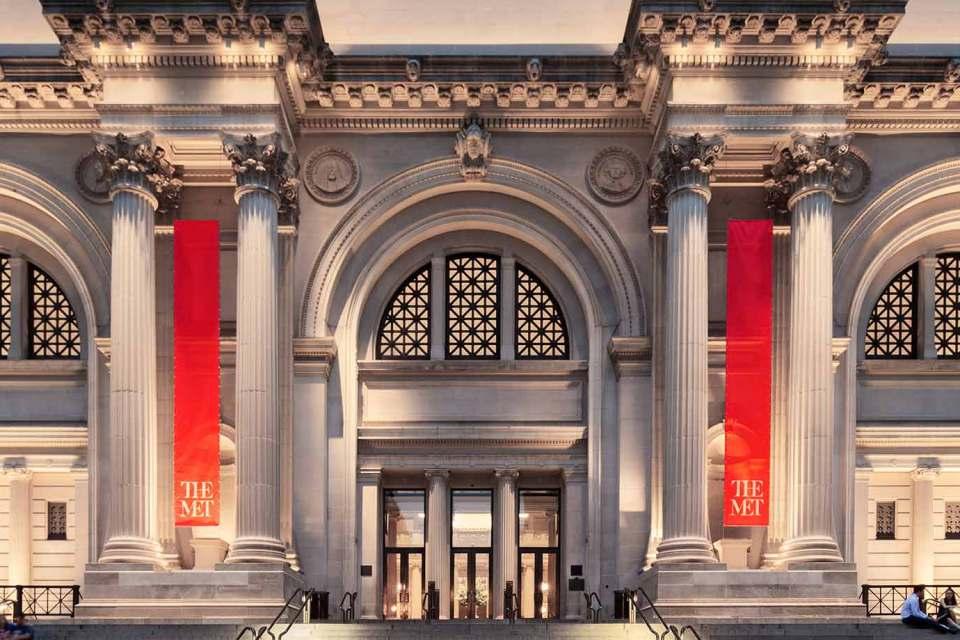 Met Museum Fifth Avenue New York