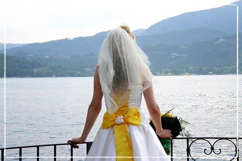 vestito-da-sposa-fiocco-giallo