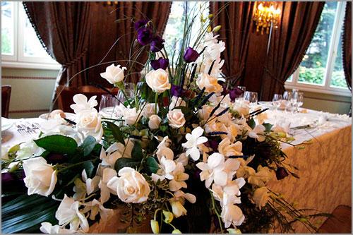 composizione-fiori-tavolo-sposi