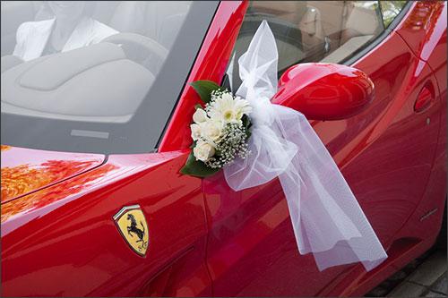 Matrimonio In Ferrari : Matrimonio rosso ferrari sul lago d u ac™orta