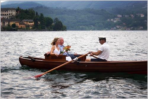Orta-arrivo-in-barca-della-sposa