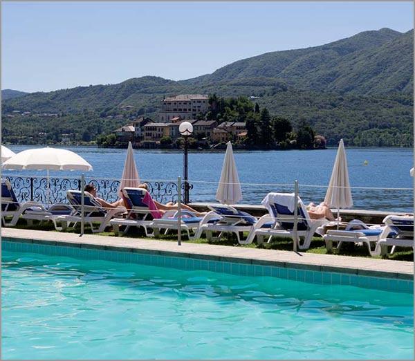 ristorante matrimonio Orta con piscina sul lago